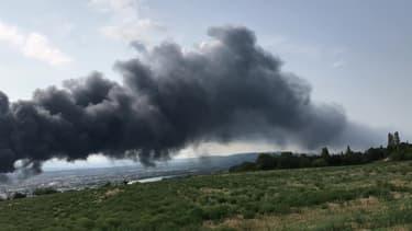 Gros incendie à Valence - Témoins BFMTV