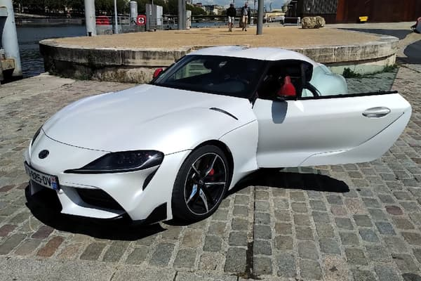 Cette Supra a été conçue en partenariat avec BMW.