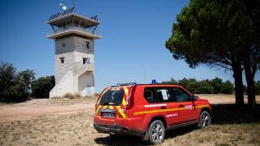 Dans le Sud de la France, comme ici près d'Aix-en-Provence, les pompiers guettent tout l'été de potentiels départs de feux.
