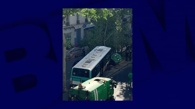 Un bus de la RATP a fait une sortie de route dans le 3e arrondissement.