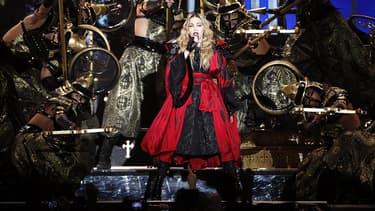 Madonna en concert à l'AccorHotel Arena de Paris, le 9 décembre 2015.