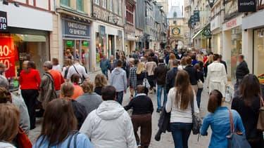 Une foule de gens à Lille.
