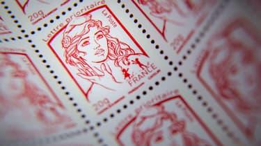 Le poids lourd braqué transportait pour 20 millions d'euros de timbres postaux.