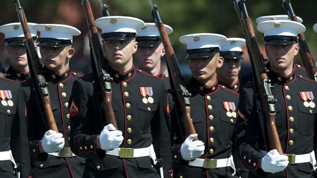 Des Marines sur la base Myer-Henderson Hall, en août 2011.