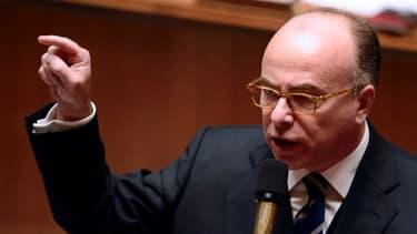 Bernard Cazeneuve veut compenser la suspension de l'écotaxe