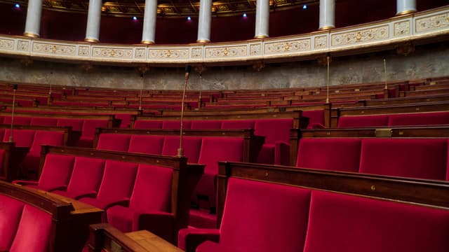 L'hémicycle de l'Assemblée nationale accueillera de nouveaux députés après les législatives des 11 et 18 juin prochains.