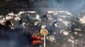 Affrontements entre manifestants et policiers à Dakar. Pour la cinquième journée consécutive, la police a tiré dimanche des grenades lacrymogènes et des balles en caoutchouc pour disperser des manifestants qui protestaient à Dakar contre la candidature du
