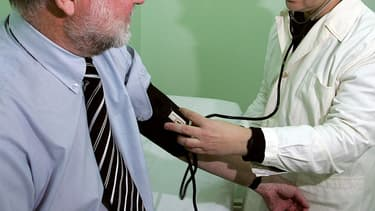 """La région Centre Val-de-Loire a décidé de salarier 150 médecins dans des """"centres de santé"""" d'ici 2025."""