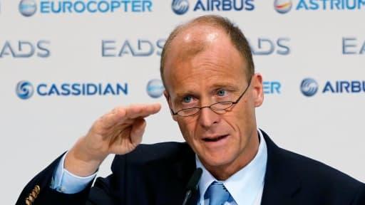 Tom Enders, président d'EADS, envisagerait de renommer l'entreprise Airbus, le nom de sa célèbre filiale.