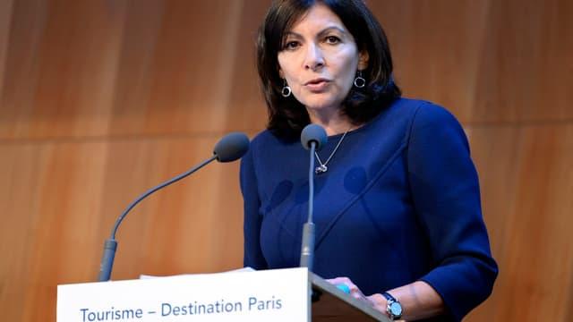 Anne Hidalgo souhaite que les commerces parisiens puissent ouvrir 12 dimanches par an.