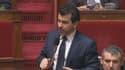 """Nicolas Dhuicq, député UMP, explique à l'Assemblée comment le """"puritanisme"""" de la lutte anti-tabac """"entraîne la jeunesse vers les épopées violentes au Proche-Orient""""."""