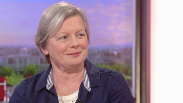 Joy Milne sur le plateau de la BBC.
