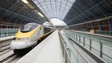 La liaison directe Eurostar permet de relier Londres à Lyon en 4h43.