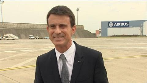 """Valls sur les Guignols: """"Nous avons toujours besoin d'impertinence"""""""
