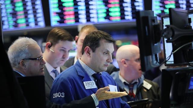Le Dow Jones chute à nouveau