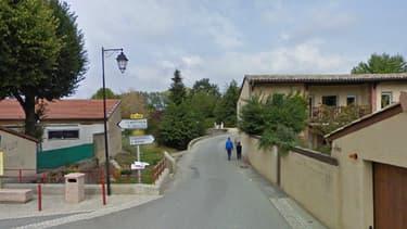 Le garçon vivait dans ce village de la Drôme, Chantemerle-les-Blés.