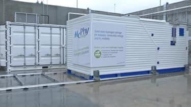 Le démonstrateur de Mac Phy Energy est le premier système couplant à l'échelle industrielle un générateur d'hydrogène sur-site et un stockage de 100 kg sous forme solide.