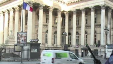 Gendarmes et policiers sont en faction devant tous les bâtiments officiels et les lieux jugés sensibles, comme les écoles confessionnelles ou lieux de culte. - BFMTV