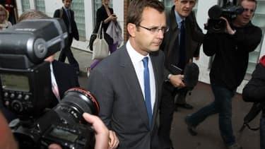 David Coulson, ex-conseiller en communication du Premier ministre britannique David Cameron, est sur le banc des accusés au procès du scandale des écoutes de News of the World.