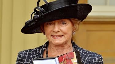 Dame Gillian Lynne anoblie par la reine d'Angleterre, le 1er mai 2014