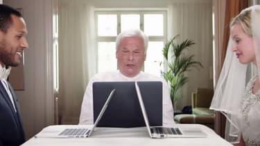 Les futurs époux convient leurs invités à assister à une cérémonie accessible sur Internet par webcam