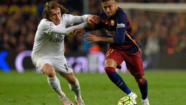 Neymar, suspendu pour le Clasico, n'affrontera pas Luka Modric le 23 avril prochain.