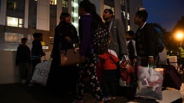 Les habitants de cinq tours du nord de Londres ont été évacués vendredi soir