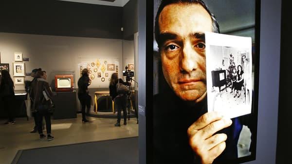 L'expo Scorsese à la cinémathèque. A l'arrière-plan, la table des parents du cinéaste.