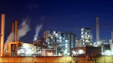 Une hausse du plafond de la taxe sur l'électricité coûterait cher en compétitivité selon les industriels.