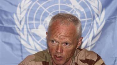 Le général norvégien Robert Mood, à la tête de la Mission de supervision des Nations unies en Syrie (Misnus), a annoncé que les observateurs de l'Onu suspendaient leurs opérations dans le pays en raison de l'escalade de la violence enregistrée ces dix der