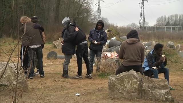À Calais, les migrants sont de retour.