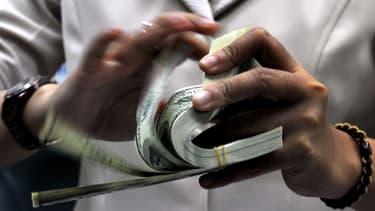 Près de la moitié de la richesse mondiale est aux mains des millionnaires.