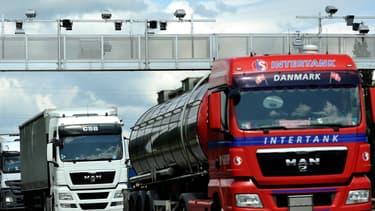 Le péage transit poids lourds ne convient pas davantage aux transporteurs que l'écotaxe.