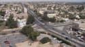 Des hommes armés ont fait exploser lundi une voiture piégée et ouvert le feu dans un quartier fréquenté de Bagdad avant de prendre des personnes en otage dans un centre commercial, faisant au moins sept morts - Lundi 11 janvier 2016