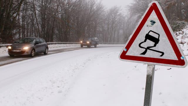 Météo France a placé mardi neuf départements de l'Est en vigilance orange à la neige et au verglas (image d'illustration).