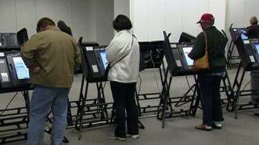 Dans certains Etats, le vote anticipé a déjà commencé et pourrait être perturbé par Sandy. Ici, dans l'Illinois.