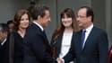 Valérie Trierweiler et Carla Burni-Sarkozy lors de la cérémonie de passation de pouvoirs à l'Elysée, le 15 mai 2012.