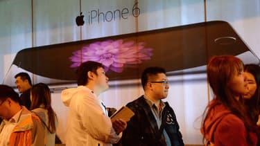 Lors du dernier trimestre 2014, Apple a vendu 70 millions de smartphones dans le monde contre 78 millions pour Samsung. L'écart se resserre.