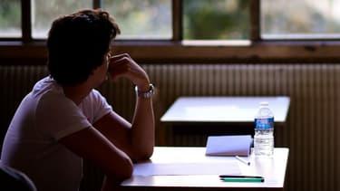Un lycéen passe son bac en juin 2017.