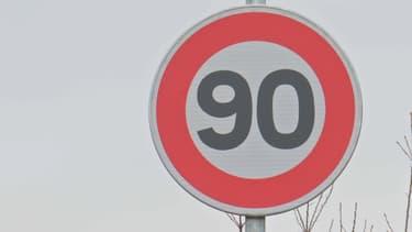 Un panneau 90 km/h (photo d'illustration).
