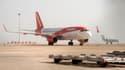 Un appareil de la compagnie EasyJet, le 8 novembre 2015 à l'aéroport Larnaca à Chypre. (Photo d'illustration)