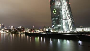 Isabel Schnadel déplore le rôle de plus en plus politique qu'accordent les gouvernements à la BCE.