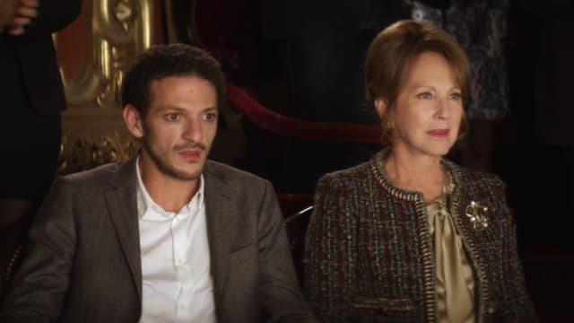 """Vincent Dedienne et Nathalie Baye dans le court métrage """"Médée""""."""