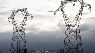 La fermeture de la centrale nucléaire de Fessenheim aura bien lieu fin 2016 ou début 2017, déclare la ministre de l'Energie Delphine Batho dans Le Monde, en réponse aux doutes de plus en plus nombreux qui se font jour sur le réalisme de ce calendrier. /Ph