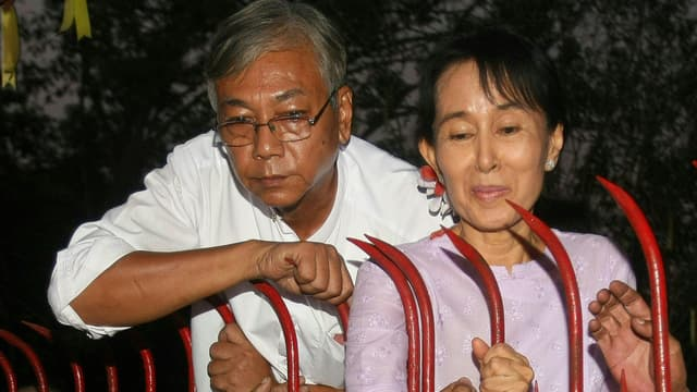Aung San Suu Kyi sort de sa réserve et remercie les Birmans - Mercredi 16 mars 2016