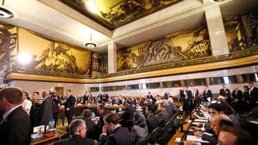 L'émissaire international Kofi Annan a exhorté samedi les Etats membres du Groupe d'action pour la Syrie réunis à Genève à s'entendre sur le processus de transition politique mais la conférence organisée à son initiative pour tenter de mettre fin à 16 moi