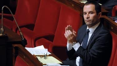 L'ancien ministre Benoît Hamon va voir sa loi modifiée par le gouvernement.