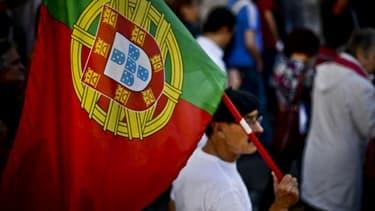 Fin octobre 2013, la population portugaise défile pour protester contre la nouvelle batterie de mesures d'austérité contenue dans le Budget 2014.