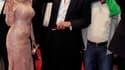 """Bernard-Henri Lévy a présenté vendredi soir à Cannes en séance spéciale """"Le Serment de Tobrouk"""", un film, selon lui, sur une """"ingérence réussie"""" en Libye qui peut constituer une """"grille de lecture"""" pour la situation actuelle de la Syrie. /Photo prise le 2"""