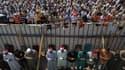 Le gouvernement égyptien a appelé jeudi les partisans du président déchu Mohamed Morsi, rassemblés par milliers depuis un mois sur deux sites au Caire, ici place Rabaa al Adaouiya, à quitter les lieux, leur promettant la sécurité en cas de départ sans vio